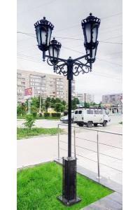 Фонарь кованый на четыре светильника